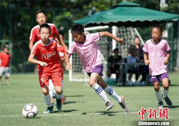 北京六易星龙队夺得第四届北京晚报百队杯少儿足球城际赛冠军