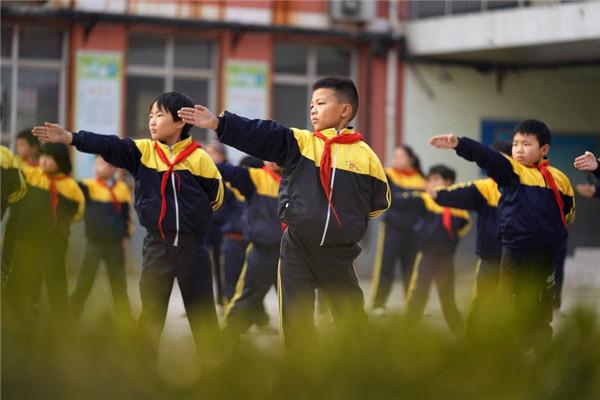 河北巨鹿:传统武术进校园