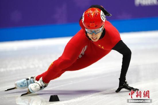 全国短道速滑锦标赛落幕 孙龙徐爱丽分获男女全能冠军